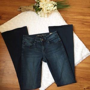 """Mavi """"Peace Flare"""" Jeans size 26 Mid Rise"""